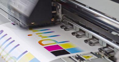 SIGN Werbetechnik und Digitaldrucktechnologie - Diverse Anwendungsbereiche: von Verpackungen, LCD-Infosysteme oder Schaukästen bis Kartonagen.