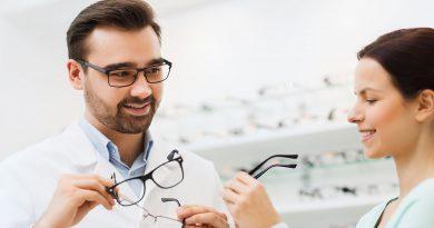 Brillenfassungen, Gläser oder Kontaktlinsen, auf der Optik & Design.