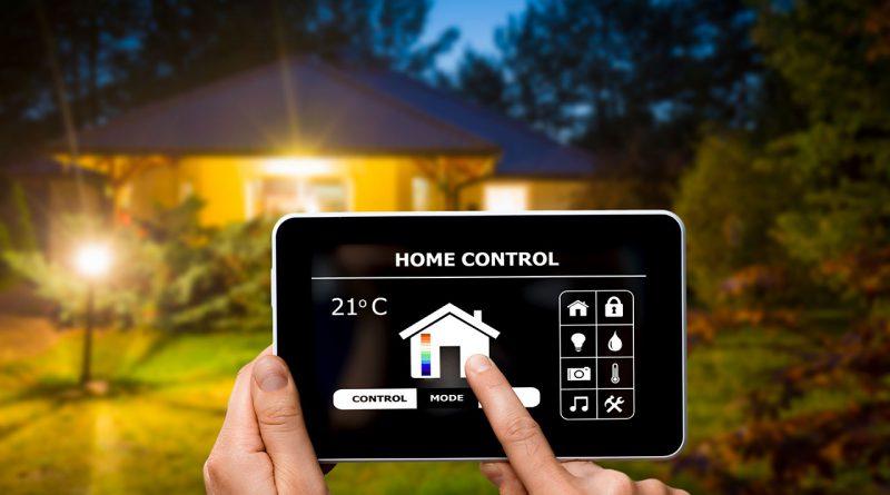 Smart Home - Steuerung elektrische Geräte und Licht im Haus