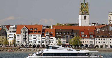 Boote, Yachten, Schiffe und Wassersportarten.