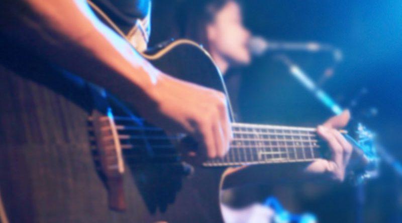 Musik, Instrumente und Musikzubehör.