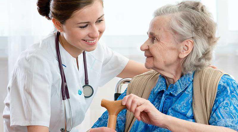 Seniorenpflege im Altenheim.
