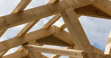 Holzbalken - Dachkonstruktion.