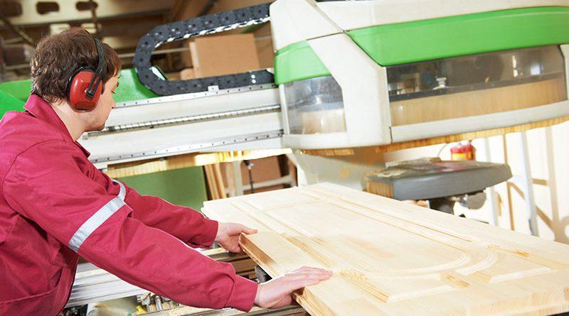 Maschinentechnologie für Holzverarbeitung und Holzbearbeitung.