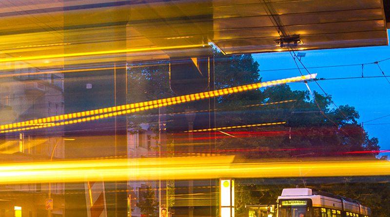 IT-Lösungen im Personenverkehr - Problemlösungen beim Städteverkehr durch City-Bikes und Car-Sharing verringern.