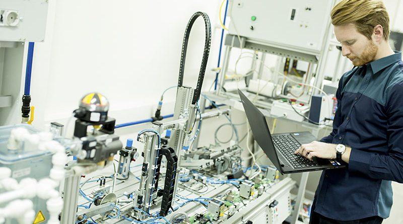 Sichere Datenübertragung, Vernetzung und Elektronik.