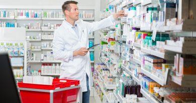 In der Apotheke - Pharmazeutische Präparate und Medizin.