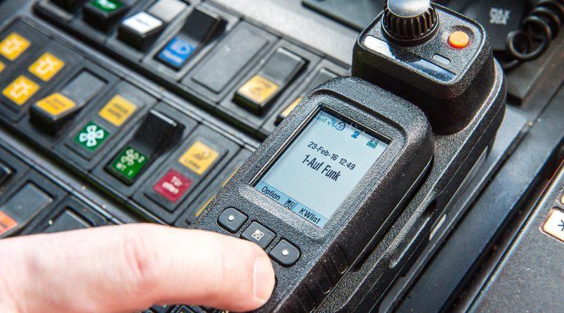 Funkgerät für professionellen Mobilfunk und Leitstellen.