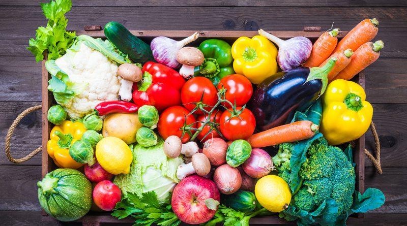 Vegane fleischfreie Ernährung. Gemüse und Obst.