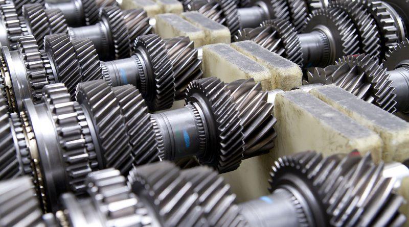 Teile, Komponenten, Module und Technologien der unteren und mittleren Produktionsstufen.